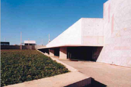 "<div style=""text-align:center; color:white;""><div style=""font-size:17px; "">Gonçalves Zarco Underground Car Parking</div><br>Client: Porto 2001, SA <br>Year: 2001 – 2001</div>"