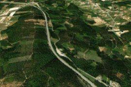 """<div style=""""text-align:center; color:white;""""><div style=""""font-size:17px; """">IP3 Tronçon E – Raiva/Trouxemil</div><br>Client: Auto Estradas de Portugal, S.A.<br>Année: 1987 – 1991</div>"""