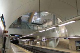"""<div style=""""text-align:center; color:white;""""><div style=""""font-size:17px; """">Station de Métro Ameixoeira*</div><br>Client: Metropolitano de Lisboa<br>Année: 2001 – 2005</div>"""