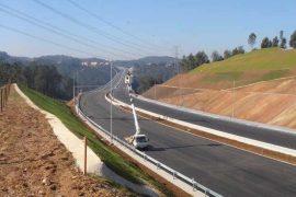 """<div style=""""text-align:center; color:white;""""><div style=""""font-size:17px; """">Pont sur la Ribeira do Bustelo</div><br>Client: Auto Estradas Douro<br>Année: 2007- 2011</div>"""