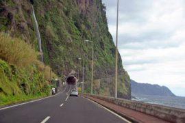 """<div style=""""text-align:center; color:white;""""><div style=""""font-size:17px; """">Aménagement du Tracé de la route ER101, S. Vicente/Porto Moniz, 3ème phase, Tunnels*</div><br>Client: Governo Regional da Madeira<br>Année: 2001 – 2004</div>"""