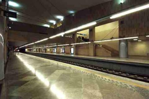 """<div style=""""text-align:center; color:white;""""><div style=""""font-size:17px; """">Contrução do Nó da Alameda *</div><br>Cliente: Metropolitano de Lisboa<br>Ano: 1995 – 1998</div>"""