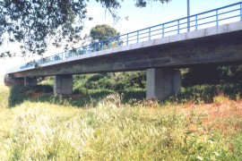 "<div style=""text-align:center; color:white;""><div style=""font-size:17px; "">Ponte do Barranco (Linha do Sul)</div><br> Cliente: REFER <br>Ano: 2000 – 2002</div>"