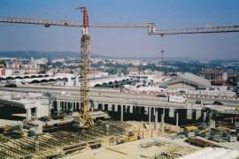 """<div style=""""text-align:center; color:white;""""><div style=""""font-size:17px; """">Viadutos V2 e V3 (Estação das Antas; Porto)</div><br>Cliente: Câmara Municipal do Porto<br>Ano: 2002 – 2003</div>"""