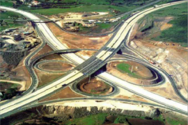"""<div style=""""text-align:center; color:white;""""><div style=""""font-size:17px; """">General works and engineering structures between Montemor and Loures on the A9 / CREL</div><br>Client: Brisa<br>Year: 1993 – 1995</div>"""