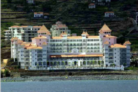 """<div style=""""text-align:center; color:white;""""><div style=""""font-size:17px; """">Riu Hotel *</div><br>Client: Riu Hotels<br>Year: 1999 – 2001</div>"""