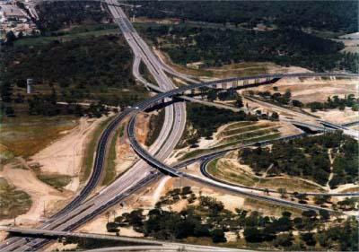 """<div style=""""text-align:center; color:white;""""><div style=""""font-size:17px; """">Lote C Pegões – Marateca Sub-secção da A13</div><br>Cliente: Brisa- Auto Estradas de Portugal, S.A. <br>Ano: 2002 – 2002</div>"""