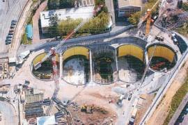 """<div style=""""text-align:center; color:white;""""><div style=""""font-size:17px; """">Estação de Metro da Amadora *</div><br>Cliente: Metropolitano de Lisboa<br>Ano: 2000 – 2003</div>"""